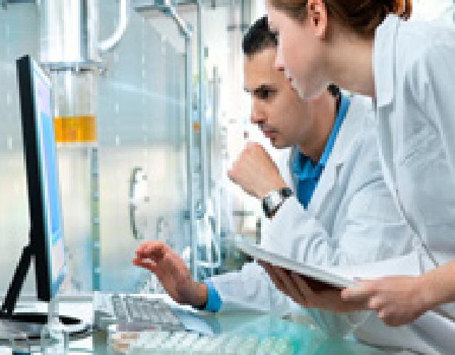 Notre laboratoire physico-chimie industrielle nous permet l'élaboration de produits nouveaux
